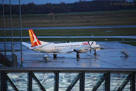 Flugzeug der alten OLT am Flughafen Bremen