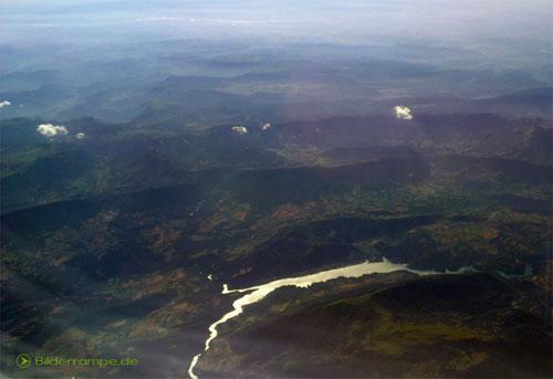 Blick auf die Alpen vom Flugzeug