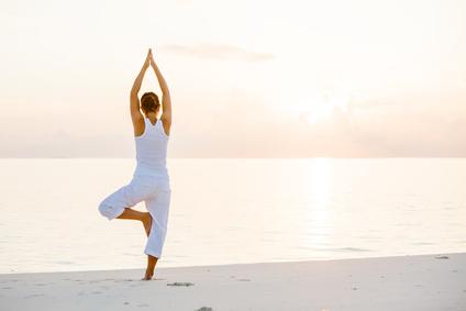 Yoga am Strand | © Maygutyak - Fotolia.com