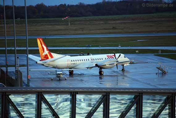 Eine Maschine der ehemaligen OLT am Flughafen Bremen