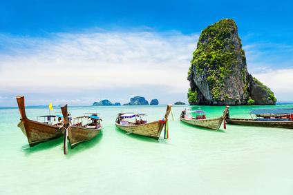 Boote am Strand von Thailand | © saiko3p - Fotolia.com