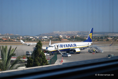 Ryanair Boeing 737-800 am Airport Alicante