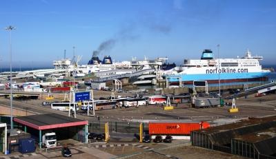 Fährhafen Dover | Bildquelle: tokamuwi bei pixelio.de