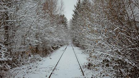 Verschneite Bahngleise | Foto: oscarkari, pixabay.com, CC0 Public Domain