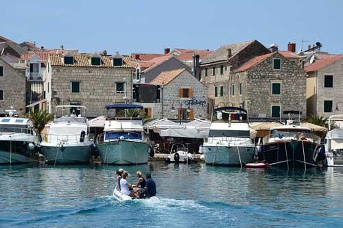 Yachten in einem kroatischen Hafen | Foto: Anemone123, pixabay.com, CC0 Public Domain