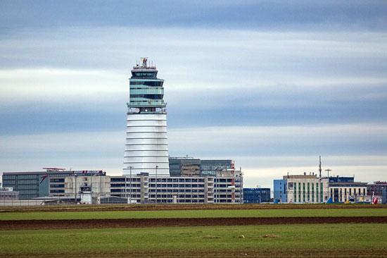 Airport Wien Schwechat | Foto: Fotoworkshop4You, pixabay.com, CC0 Public Domain
