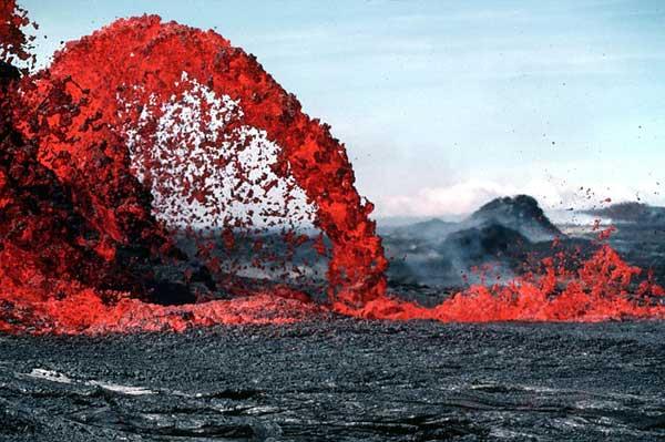 Lava beim Vulkanausbruch | Foto: WikiImages, pixabay.com, CC0 Creative Commons