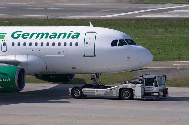 Germania Flugzeug abgeschleppt | Foto: b1-foto, pixabay.com, Pixabay License