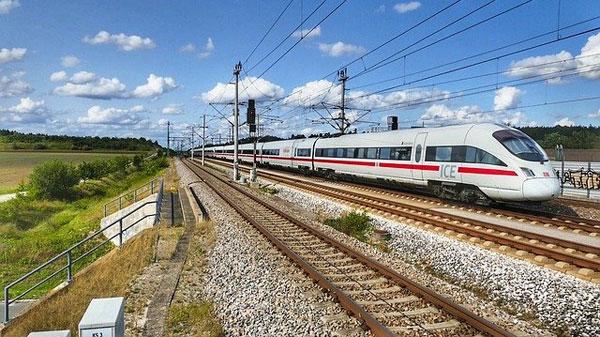 ICE Deutsche Bahn | Foto: holzijue, pixabay.com, Pixabay License
